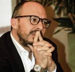 https://www.tp24.it/immagini_articoli/14-12-2018/1544768864-0-faraone-proclamato-segretario-sicilia.jpg