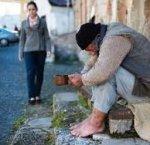https://www.tp24.it/immagini_articoli/14-12-2018/1544790739-0-italia-milioni-persone-poverta-assoluta-reddito-cittadinanza.jpg