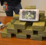 https://www.tp24.it/immagini_articoli/15-01-2018/1516013566-0-aveva-casa-droga-mila-euro-santini-scarface-arrestato-trapani.jpg