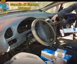 https://www.tp24.it/immagini_articoli/15-02-2020/1581752983-0-sicilia-cane-arca-blocca-uomo-sigarette-contrabbando-auto.png