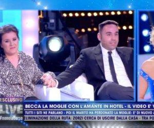 https://www.tp24.it/immagini_articoli/15-02-2021/1613369240-0-le-corna-all-hotel-eufemia-dalla-sicilia-a-barbara-d-urso.jpg