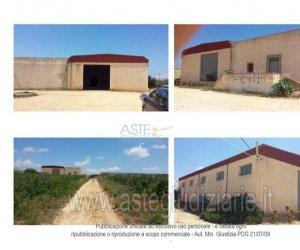 https://www.tp24.it/immagini_articoli/15-03-2019/1552638481-0-appartamento-magazzino-terreno-contrada-scacciaiazzo-marsala.jpg