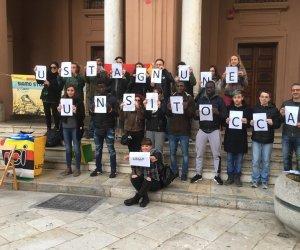 https://www.tp24.it/immagini_articoli/15-03-2019/1552683124-0-stagnone-tocca-manifestazione-marsala.jpg