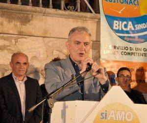 https://www.tp24.it/immagini_articoli/15-05-2018/1526416279-0-sorpresa-braschi-favignana-custonaci-primo-comizio-bica.jpg