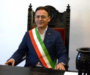 https://www.tp24.it/immagini_articoli/15-05-2019/1557912323-0-mazara-insediato-sindaco-salvatore-quinci.jpg