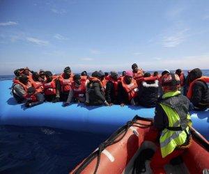 https://www.tp24.it/immagini_articoli/15-05-2019/1557944234-0-salvate-persone-rischiavano-annegare-largo-sicilia.jpg