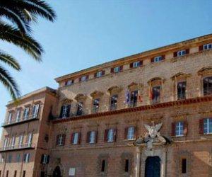 https://www.tp24.it/immagini_articoli/15-06-2014/1402818859-0-sicilia-pochi-2200-impiegati-e-l-incarico-va-a-l-personale-esterno.jpg
