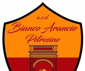 https://www.tp24.it/immagini_articoli/15-06-2018/1529014965-0-bianco-arancio-petrosino-prende-centravanti-classe-flavio-accardi.jpg