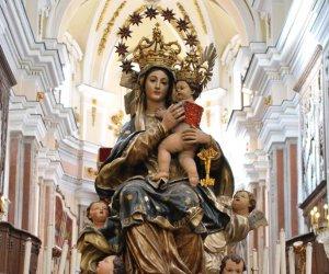 https://www.tp24.it/immagini_articoli/15-06-2019/1560583071-0-alcamo-giugno-festa-maria-santissima-miracoli.jpg