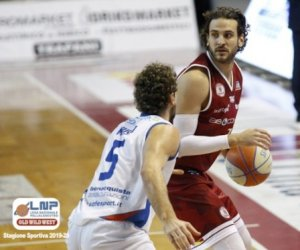 https://www.tp24.it/immagini_articoli/15-07-2020/1594843218-0-pallacanestro-trapani-gabriele-spizzichini-rinnova-con-i-granata-nbsp.jpg