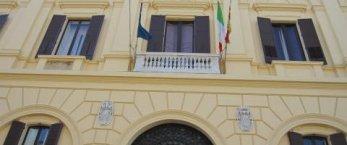 https://www.tp24.it/immagini_articoli/15-08-2014/1408120288-0-trapani-il-sindaco-riceva-maratoneta-di-80-anni.jpg
