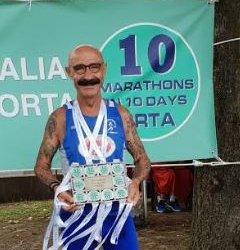 https://www.tp24.it/immagini_articoli/15-08-2018/1534334606-0-atletica-derrico-superstar-dieci-maratone-lago-dorta-paladino-nizza.jpg