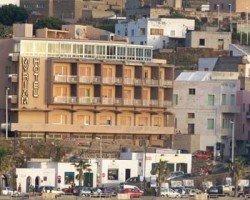 https://www.tp24.it/immagini_articoli/15-09-2013/1379262250-0-oggi-l-asta-per-la-vendita-dell-hotel-miryam-a-pantelleria.jpg