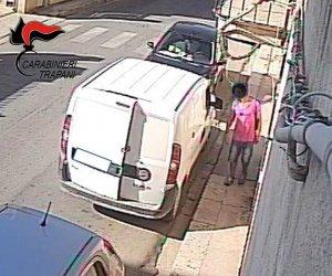 https://www.tp24.it/immagini_articoli/15-09-2021/1631693153-0-come-rubare-un-furgone-in-un-attimo-la-vicenda-a-castelvetrano.jpg