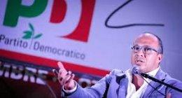 https://www.tp24.it/immagini_articoli/15-12-2018/1544863335-0-caos-sicilia-dopo-proclamazione-faraone-segretario.jpg