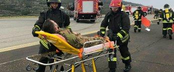 https://www.tp24.it/immagini_articoli/15-12-2018/1544885365-0-pantelleria-aereo-atterra-prende-fuoco-solo-esercitazione.jpg