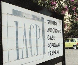 https://www.tp24.it/immagini_articoli/15-12-2019/1576411646-0-trapani-muro-sfondato-occupare-casa-popolare-interviene-iacp.jpg