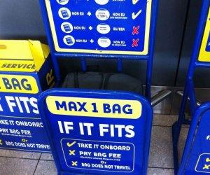 https://www.tp24.it/immagini_articoli/16-01-2020/1579176794-0-rayanair-alza-costo-bagaglio-mano-biglietti-aerei.jpg