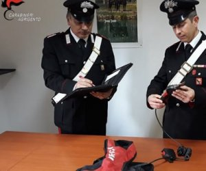 https://www.tp24.it/immagini_articoli/16-03-2019/1552724191-0-sicilia-aveva-rubato-forbici-agricoltori-sequestrano-giovane.jpg