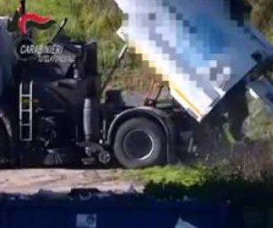 https://www.tp24.it/immagini_articoli/16-05-2019/1557996251-0-trapani-video-dipendenti-energetikabiente-scaricavano-allaperto-rifiuti.jpg