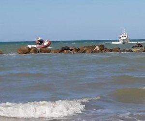 https://www.tp24.it/immagini_articoli/16-08-2019/1565937518-0-trovati-morti-fratellini-dispersi-mare.jpg