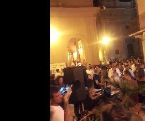 https://www.tp24.it/immagini_articoli/16-08-2020/1597564151-0-a-marsala-discoteca-in-piazza-e-solita-rissa-con-feriti-all-antico-mercato.png
