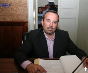 https://www.tp24.it/immagini_articoli/16-09-2019/1568645594-0-marrone-finisce-tribunale-tappe-caso-inguaia-consigliere-marsala.jpg