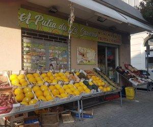 https://www.tp24.it/immagini_articoli/16-09-2020/1600246247-0-trapani-arrestato-giuseppe-lombardo-ha-rubato-al-negozio-di-frutta-e-verdura-e-non-solo-nbsp.jpg