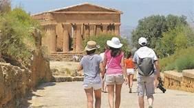 https://www.tp24.it/immagini_articoli/16-09-2020/1600250219-0-sicilia-con-il-coronavirus-crolla-il-turismo-estivo-nell-isola-nbsp.jpg