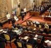 https://www.tp24.it/immagini_articoli/16-11-2018/1542382445-0-sicilia-soldi-deputati-legge-sulle-aiuole.jpg