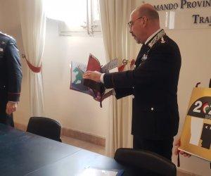https://www.tp24.it/immagini_articoli/16-11-2019/1573909419-0-presentato-trapani-calendario-2020-carabinieri.jpg