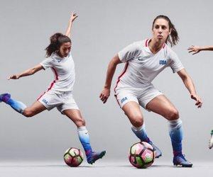 https://www.tp24.it/immagini_articoli/17-03-2019/1552862548-0-calcio-femminile-classifica-eccellenza-girone-sicilia-dopo-recupero-ieri.jpg