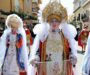https://www.tp24.it/immagini_articoli/17-04-2019/1555485463-0-marsala-minacce-processione-giovedi-santo-contestatori-chiedono-scusa.jpg