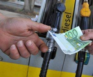 https://www.tp24.it/immagini_articoli/17-04-2019/1555494545-0-lega-cinque-stelle-aumentano-liva-accise-benzina.jpg