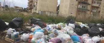 https://www.tp24.it/immagini_articoli/17-04-2021/1618662665-0-amabilina-sempre-piu-piena-di-rifiuti-nbsp.jpg