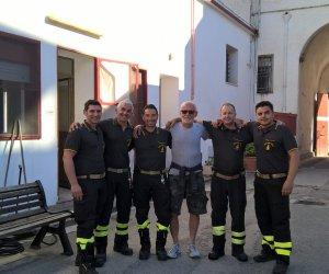 https://www.tp24.it/immagini_articoli/17-05-2018/1526545099-0-marsala-ringraziato-vigili-fuoco-luomo-sprofondato-alghe-colmata.jpg