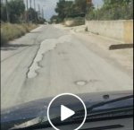 https://www.tp24.it/immagini_articoli/17-05-2018/1526576688-0-marsala-slalom-buche-strada-bufalata-video-virale.jpg