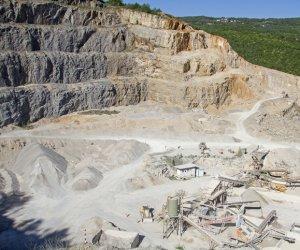 https://www.tp24.it/immagini_articoli/17-05-2019/1558103768-0-sicilia-sono-cave-dismesse.jpg