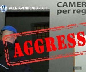 https://www.tp24.it/immagini_articoli/17-06-2020/1592422806-0-un-detenuto-siciliano-al-41-bis-ha-staccato-un-dito-ad-un-secondino-e-se-lo-e-mangiato-nbsp.jpg