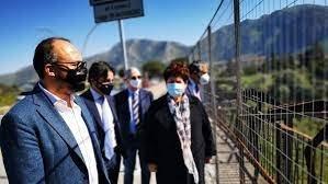 https://www.tp24.it/immagini_articoli/17-06-2021/1623935078-0-nominati-i-commissari-per-i-lavori-alle-infrastrutture-in-sicilia.jpg