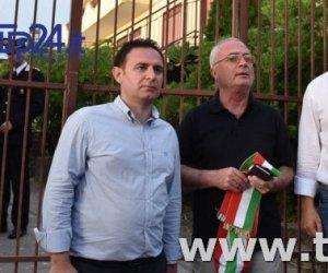https://www.tp24.it/immagini_articoli/17-07-2017/1500268585-0-protesta-anti-migranti-sindaci-siciliani-ecco-cosa-accadendo.jpg