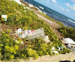 https://www.tp24.it/immagini_articoli/17-08-2019/1566078381-0-trapani-costa-malata-rifiuti-liquami-erosione.jpg