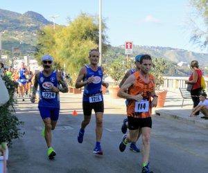 https://www.tp24.it/immagini_articoli/17-09-2018/1537164866-0-podismo-mezzamaratona-cefalu-venticinque-colori-marsala.jpg