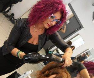 https://www.tp24.it/immagini_articoli/17-09-2019/1568703915-0-lhairstylist-marsalese-angela-palumbo-milano-fashion-week.jpg