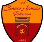 https://www.tp24.it/immagini_articoli/17-10-2018/1539784859-0-bianco-arancio-petrosino-sporting-debutto-seconda-categoria.jpg