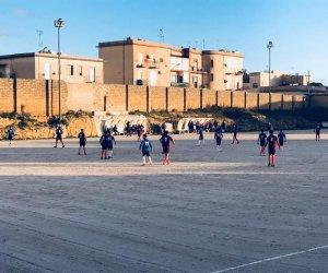 https://www.tp24.it/immagini_articoli/17-12-2017/1513542984-0-pari-bianco-arancio-campo-capolista-partanna.jpg
