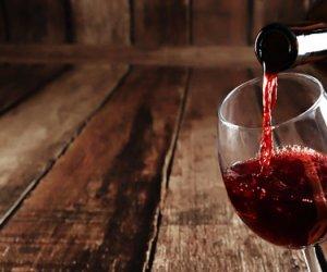 https://www.tp24.it/immagini_articoli/18-01-2019/1547799998-0-vini-sicilia-2021-contrassegno-stato-sulle-bottiglie.jpg