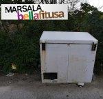 https://www.tp24.it/immagini_articoli/18-01-2019/1547824325-0-marsala-bella-fitusa-congelatori-abbandonati-porticciolo-turistico.jpg