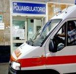 https://www.tp24.it/immagini_articoli/18-02-2019/1550522716-0-donna-muore-parenti-assaltano-ospedale-devastano-tutto.jpg