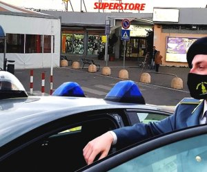https://www.tp24.it/immagini_articoli/18-02-2021/1613641762-0-150-milioni-di-euro-sequestrati-nbsp-nbsp-al-boss-dei-supermercati-che-offriva-rifugio-a-provenzano.jpg